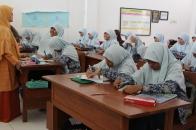 Guru Perempuan untuk Murid Perempuan